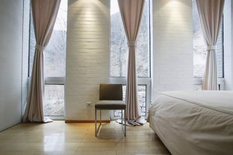 Шторы для гостиной минимализм